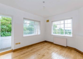 Thumbnail 2 bedroom flat to rent in Ossulton Way, Hampstead Garden Suburb, London