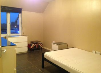 Thumbnail 2 bed flat to rent in Bosworth Court, Slough