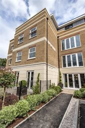 Thumbnail 2 bedroom flat for sale in St. Marks Road, Windsor, Berkshire