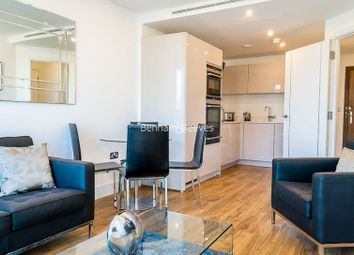 Thumbnail 1 bed flat to rent in Altitude Point, Aldgate East