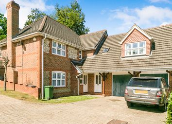 Thumbnail 6 bedroom detached house to rent in Roebuck Rise, Tilehurst, Reading