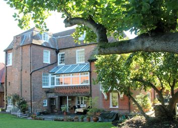Thumbnail 2 bed flat for sale in The Street, Woodnesborough