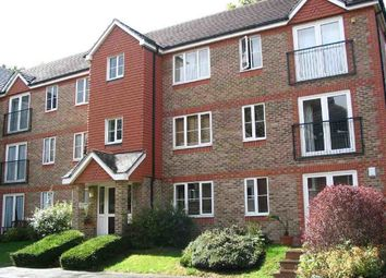 Thumbnail 2 bed flat to rent in Sevenoaks Close, Belmont, Sutton