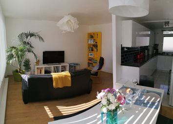 Thumbnail 3 bed flat to rent in Stewart Street, London