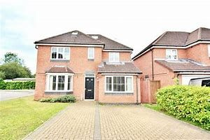 Thumbnail 6 bed town house to rent in Lucerne Close, Coventry