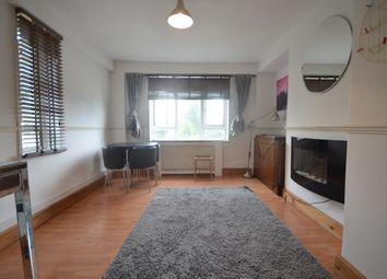 Thumbnail 2 bed flat to rent in Clifton Road, London