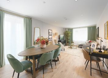 Thumbnail 3 bed flat for sale in Courtyard Gardens, Oxted, Surrey