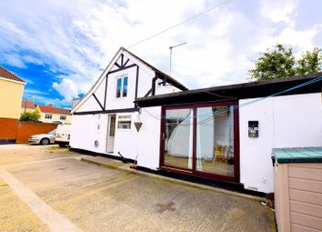 Thumbnail 2 bed detached house to rent in London Road, Leigh-On-Sea