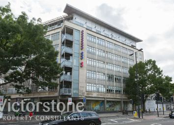 Thumbnail 2 bed flat to rent in City Road, Clerkenwell, London