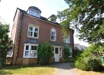 Thumbnail Property to rent in Pine Gardens, Horley