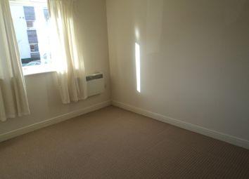 Isham Place, Ipswich IP3. 2 bed flat