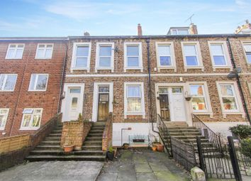 2 bed flat to rent in Washington Terrace, North Shields NE30