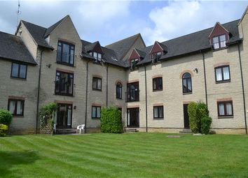 Thumbnail 2 bedroom flat for sale in Lakeside, Ducklington Lane, Witney