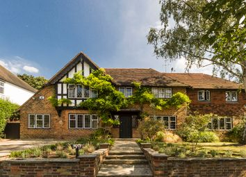 Thumbnail 6 bed flat for sale in Deansway, Hampstead Garden Suburb