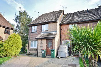Thumbnail 1 bed maisonette to rent in Guinevere Road, Ifield West, Crawley, West Sussex