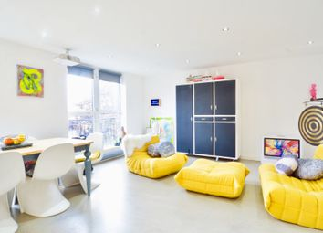 Thumbnail 3 bedroom flat to rent in Mansford Street, London