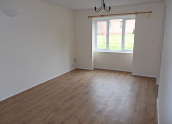 Thumbnail 1 bed flat to rent in Hunters Gate, Watford
