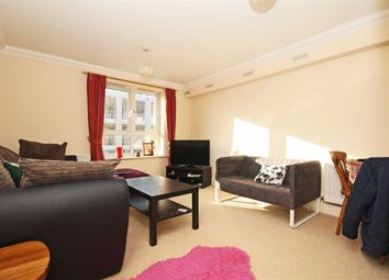 1 bed property to rent in Greenview Close, London W3