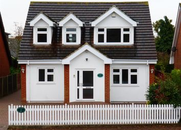 Thumbnail 4 bed detached house to rent in Peartree Lane, Doddinghurst, Brentwood