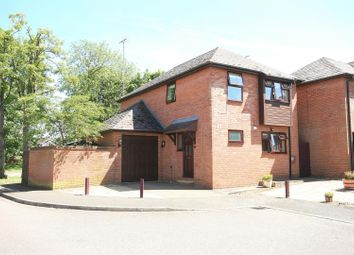 Thumbnail 4 bed detached house for sale in Lovent Drive, Leighton Buzzard, Beds