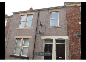 Thumbnail 3 bed flat to rent in Hillfield Street, Gateshead