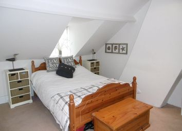 Thumbnail 3 bed cottage to rent in The Crofts, Witney