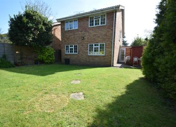 Thumbnail 4 bed detached house to rent in Woodcote Road, Caversham, Reading