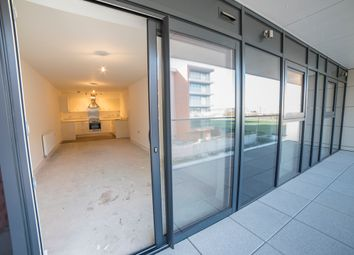 Thumbnail 2 bedroom flat for sale in Racecourse Road, Newbury, Berkshire