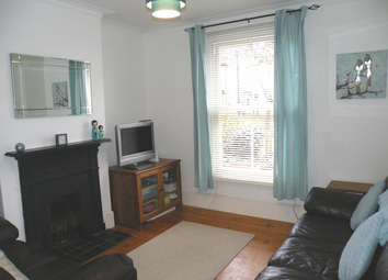 Thumbnail 2 bedroom cottage to rent in Thayers Farm Road, Beckenham, Kent