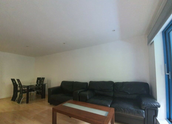 Western Gateway, London E16. 3 bed flat