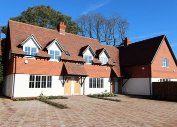 Thumbnail 2 bed flat to rent in Queens Close, Walton On The Hill, Tadworth