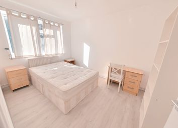 3 bed maisonette to rent in Caldwell Street, Brixton SW9