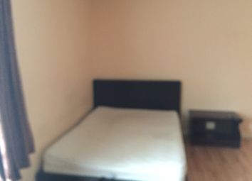 Thumbnail Studio to rent in Beeston Way, Feltham