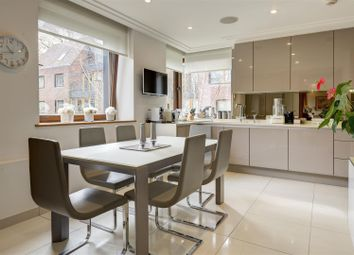 The Bishops Avenue, London N2. 3 bed flat for sale