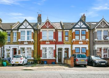 2 bed flat for sale in Coventry Road, Ilford IG1