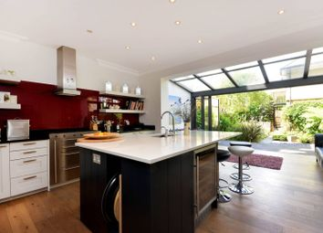 Thumbnail 5 bed property for sale in Whitcombe Mews, Kew