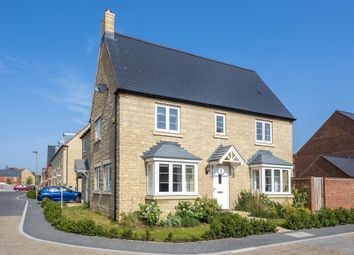 Bicester, Oxfordshire OX26. 3 bed semi-detached house for sale