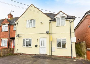 Thumbnail 2 bed flat for sale in Harts Hill Road, Thatcham
