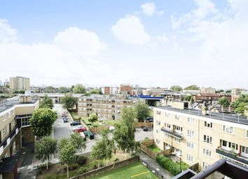 Thumbnail 2 bedroom flat for sale in Amhurst Road, Hackney