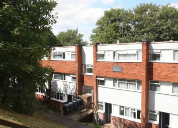 Thumbnail 3 bed flat for sale in Hunters Hill, High Wycombe