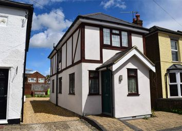 Thumbnail 2 bed detached house to rent in Adrian Road, Abbots Langley, Hertfordshire