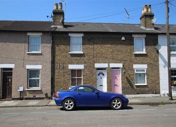 2 bed property to rent in Trinity Road, Richmond TW9