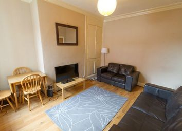 Thumbnail 5 bed town house to rent in Hessle Place, Hyde Park, Leeds