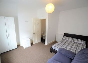 Thumbnail 4 bed shared accommodation to rent in Vine Street, Widnes
