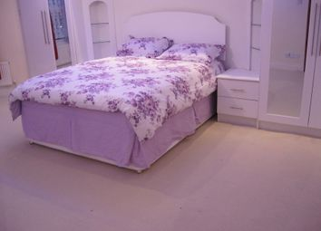 Thumbnail 3 bed flat to rent in Agnes Road Area, Acton