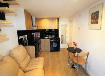 Thumbnail 1 bed flat to rent in Kinderton Close, London