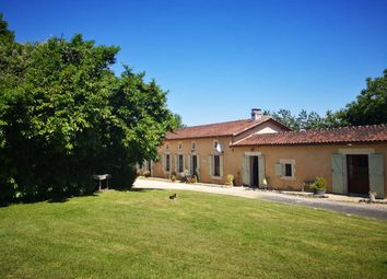 Thumbnail 4 bed property for sale in 16190 Montmoreau-Saint-Cybard, France