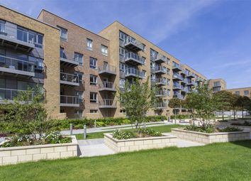 Thumbnail 2 bedroom flat to rent in Basset Court, Smithfield Square, Hornsey