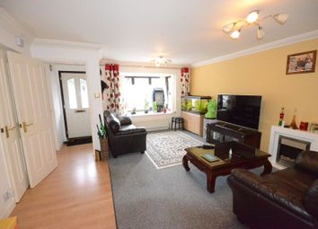 Thumbnail 1 bedroom property to rent in Mint Close, Earley, Reading