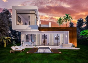 Thumbnail 3 bed detached house for sale in Estepona, Costa Del Sol, Spain